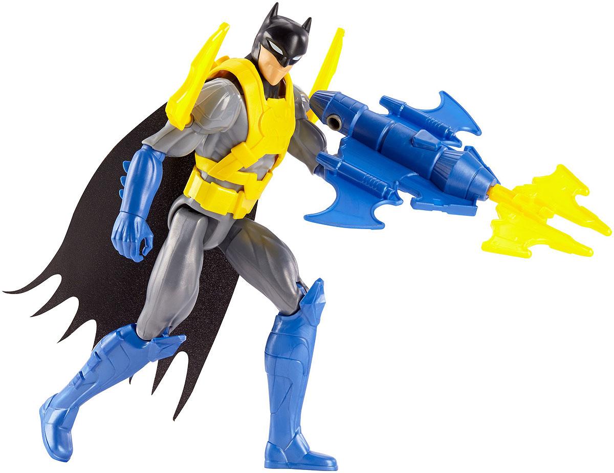 Batman Фигурка Batman Wing TechFBR08_DWM65Фигурка Batman Batman Wing Tech станет отличным подарком юному поклоннику комиксов DC Comics. Wing Tech - уникальный костюм и снаряжение Бэтмена, благодаря которому он способен летать с поистине реактивной скоростью. Реактивный ранец, особая броня, мощное оружие помогут Бэтмену победить даже самых сильных противников! Эта 30-сантиметровая фигурка идеально передает уникальный образ и безукоризненный стиль героя Лиги Справедливости. Голова фигурки поворачивается, руки и ноги сгибаются, чтобы герой мог принимать самые невероятные позы. Выбери Бэтмена, Супермена, Флеша, Чудо-женщину, Джокера или других героев, чтобы воссоздать свои любимые схватки между супергероями и суперзлодеями вселенной DC Comics!