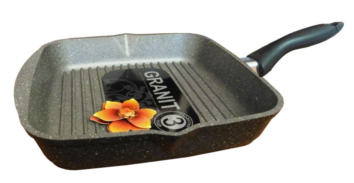 Сковорода-гриль Мечта Гранит, с антипригарным покрытием, 28х28 см66701Литая алюминиевая посуда Мечта с покрытием повышенной стойкости серии Granit позволяет равномерно распределять и прекрасно удерживать тепло, экономить электроэнергию и готовить пищу быстрее. Значительная толщина стенок и дна исключает деформацию корпуса изделий, гарантирует долговечность посуды.Антипригарное покрытие премиум класса GRANIT ЛЮКС представляет собой многослойную систему, упроченную кристаллами минералов. Данные кристаллы выполняют роль армирующего звена, благодаря чему получается мощнейшая монолитная структура, которая многократно повышает прочностные и антипригарные свойства. Покрытие разработано немецкой компанией Weilburger Coatings GmbH под торговой маркой Greblon. Покрытие имеет сертификаты FDA (Управления по надзору за качеством пищевых продуктов и медикаментов США), BFR (Федеральный институт оценки рисков в Германии) и LGA (институт независимых испытаний в Германии) Не содержит перфтороктановую кислоту (PFOA), разработан на водной основе.Антипригарное покрытие...