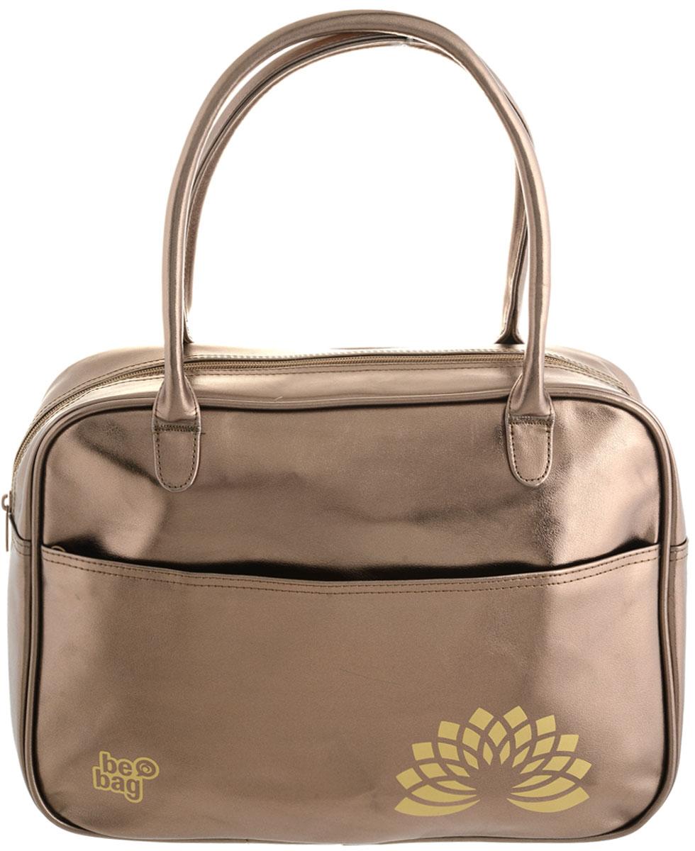 Herlitz Сумка школьная Be Bag Fashion цвет золотистый11359502Школьная сумка Herlitz Be Bag. Fashion выполнена из прочного износостойкого материала. Сумка состоит из одного отделения и закрывается на пластиковую застежку-молнию. Внутри расположены два открытых накладных кармашка. Лицевая часть сумки дополнена большим карманом на молнии. Изделие имеет две прочные ручки. Благодаря удобному размеру ручек, сумку можно повесить на плечо, на локоть или носить в руках. Прочная и вместительная сумка Be Bag смотрится элегантно в любой ситуации. Идеальный выбор для школы, университета или досуга.