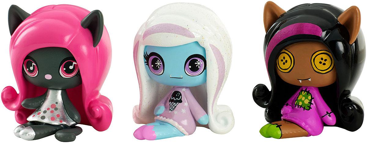 Monster High Набор фигурок 3 шт DVF44DVF41_DVF44Эти фигурки Monster High очень милые, ну просто до такой степени, что вам сразу захочется собрать их всех! Набор состоит из трех мини-фигурок, одну из которых вы больше не встретите ни в каком другом наборе. Ваша коллекция будет расти на глазах! У каждой маленькой фигурки свой фирменный стиль с монструозными деталями. Каждый наряд уникален, все прически убийственно прекрасны! В каждой упаковке из трех мини-фигурок смешиваются разные темы, и вы можете расширять свою коллекцию, как вам захочется. Ищите любимых персонажей, собирайте уникальные темы Monster High.