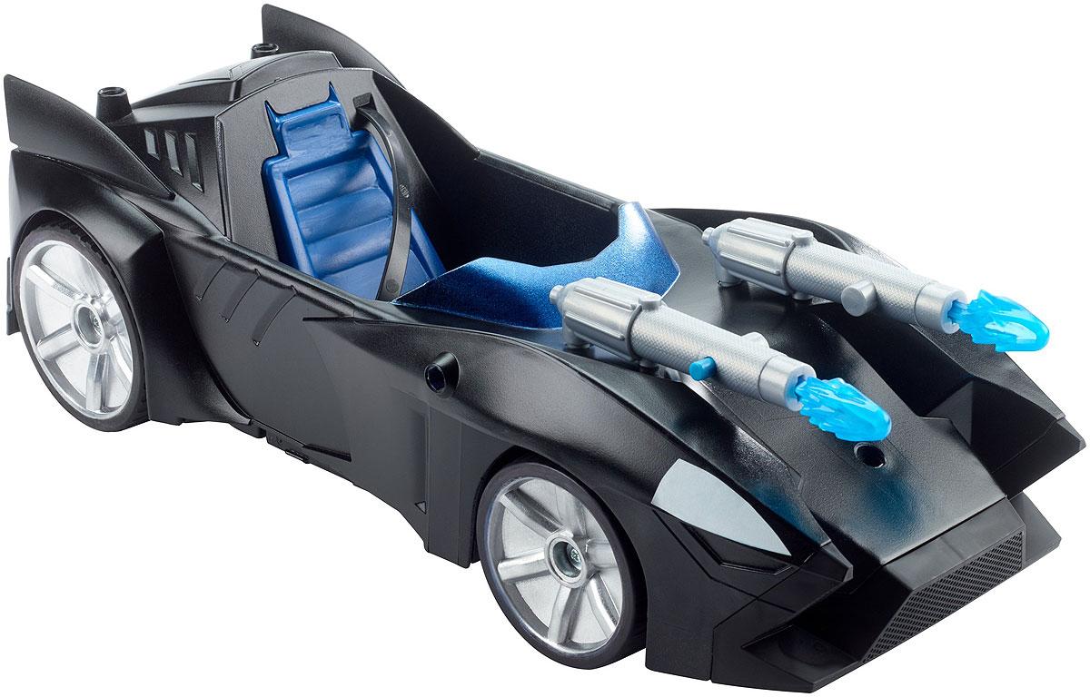 Batman Бэтмобиль Двойной выстрелFDF02Бэтмобиль Batman Двойной выстрел выполнен из прочных и безопасных материалов. Автомобиль оборудован двумя пушками для борьбы со злодеями. Колеса машины имеют свободный ход. Такая замечательная модель внушительного размера позволит ребенку воссоздать любимые сцены из мультфильма и придумывать собственные захватывающие истории.