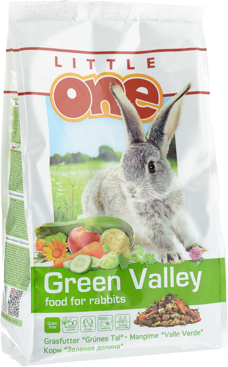 Корм для кроликов Little One Зеленая долина, из разнотравья, 750 г60436Корм из разнотравья Little One Зеленая долина - рацион для декоративных животных, в состав которого входит 60 разновидностей трав. Изготовленный с помощью специальной технологии холодного прессования, корм сохранил все витамины, минералы и другие ценные питательные вещества, входящие в состав растений. Корм богат длинными волокнами клетчатки, что обеспечит необходимый уход за зубами и правильное пищеварение у кроликов. Рацион обогащен фруктоолигосахаридами — натуральными пребиотиками, которые поддержат рост полезной микрофлоры в кишечнике. Жирные кислоты омега-3 и омега-6, содержащиеся в корме, обеспечат здоровье кожи и сделают шерсть питомца густой и блестящей. Дрожжевой экстракт, богатый витаминами группы В, селеном и бета-глюканами, окажет благотворное влияние на иммунную систему. Для разнообразия рациона кролика в состав корма входят вкусные и полезные добавки — сушеные цветы, фрукты, овощи и плоды. Корм не содержит зерновых...