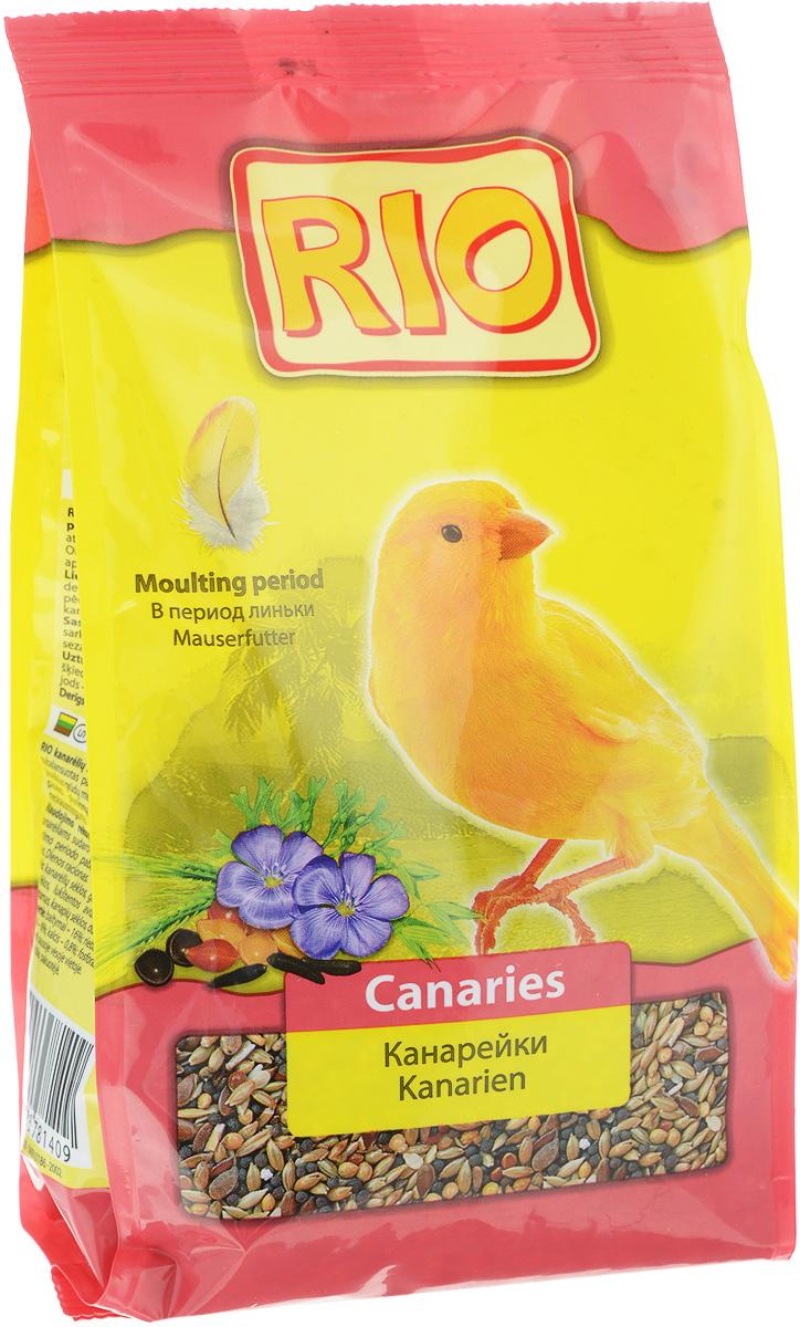 Корм для канареек Rio, в период линьки, 500 г13967Корм Rio - зерновая смесь, специально сбалансированная в соответствии с потребностями канареек во время линьки. Повышенное содержание белков и жиров в корме делает процесс смены оперения более быстрым и безболезненным. Содержит семена кунжута, богатые кальцием и витаминами. Товар сертифицирован.