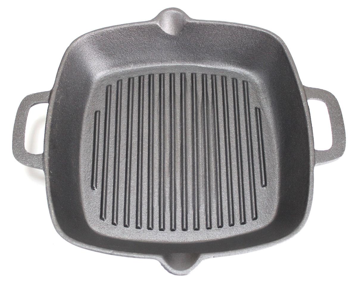Сковорода Vetta, с 2 сливами, диаметр 26 см808004Сковорода- гриль Vetta изготовлена из чугуна. Высокая теплоемкость чугуна позволяет ему сильно нагреваться и медленно остывать, а это в свою очередь обеспечивает равномерное приготовление продуктов. Пища, приготовленная в чугунной посуде, сохраняет свои вкусовые качества, и благодаря экологической чистоте материала, не может нанести вред здоровью человека. Также чугунная сковорода обладает высокой прочностью и износоустойчивостью. Для более удобного использования сковорода оснащена эргономичной ручкой. Сковорода Vetta подходит для использования: в духовке, на газовой, галогеновой плитах. Не рекомендуется мыть в посудомоечной машине.