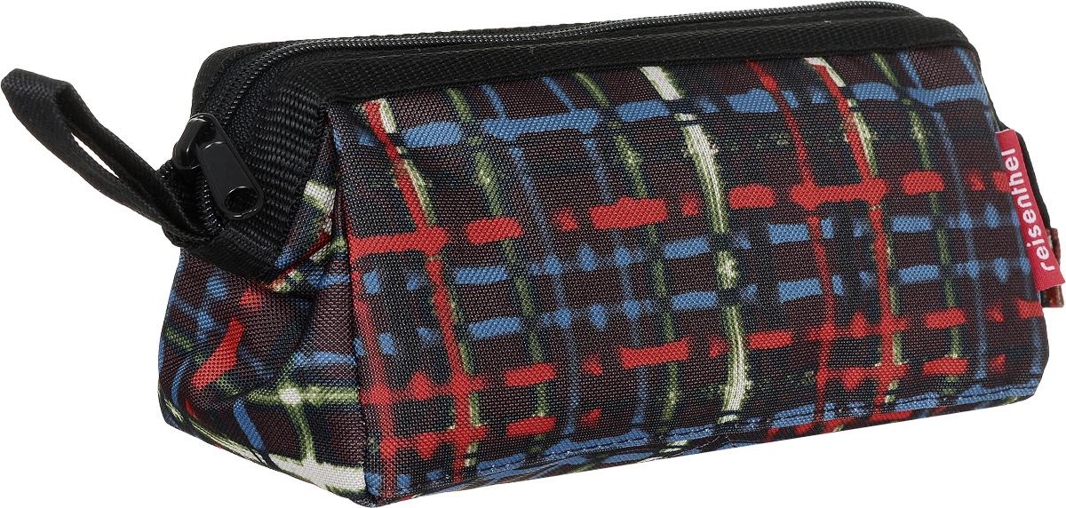 Косметичка Reisenthel Travel, цвет: коричневый, красный, голубой. WD7036WD7036Косметичка Reisenthel Travel изготовлена из высококачественного полиэстера с оригинальным принтом. Изделие имеет одно отделение, закрывающееся на застежку-молнию. Внутри находится прорезной карман на застежке-молнии. Сбоку изделие оснащено удобным ремешком для переноски. Встроенные металлические скобы удерживают косметичку в открытом состоянии. Такая удобная сумочка-косметичка пригодится для хранения косметики, маникюрных принадлежностей и других аксессуаров, которые могут вам понадобиться ежедневно или в путешествиях.