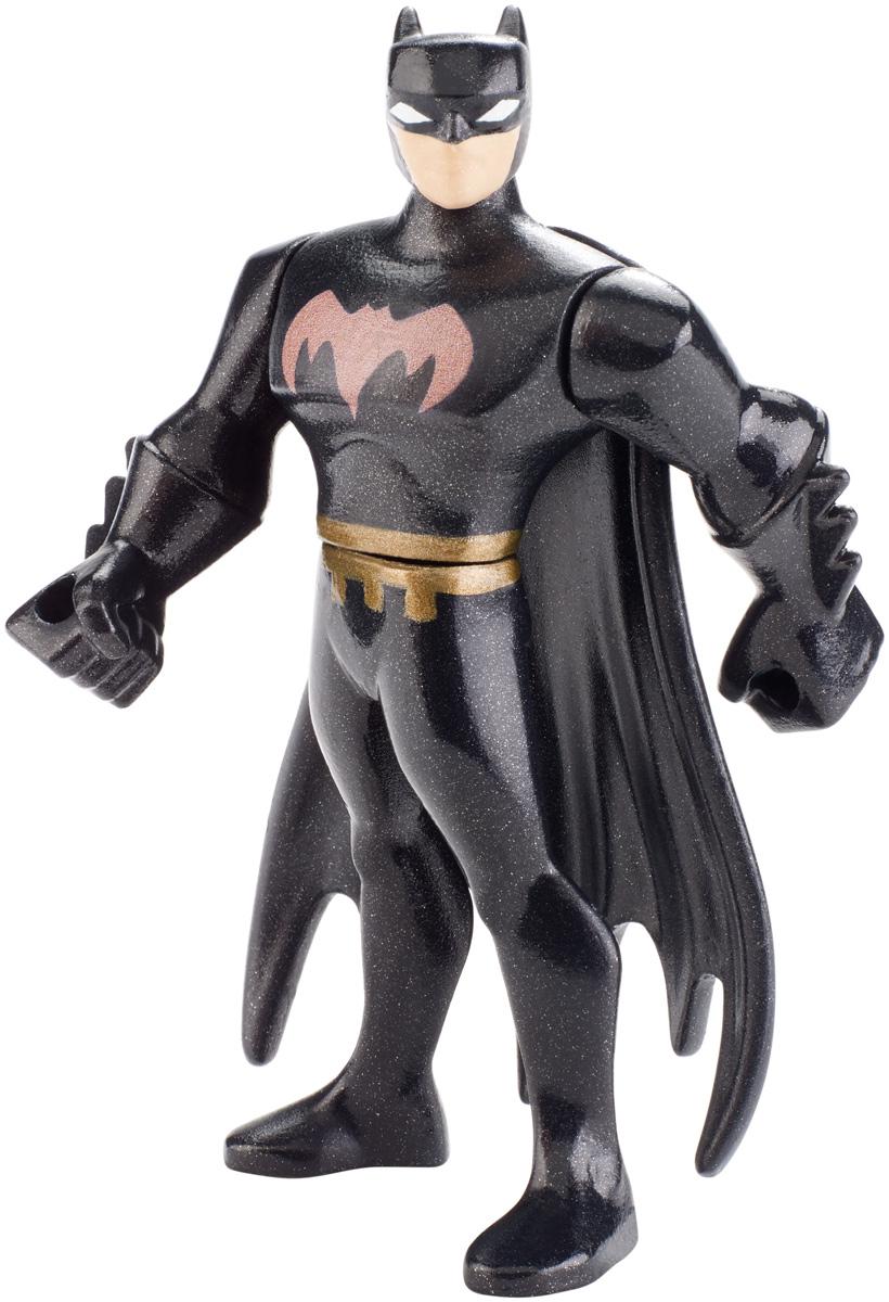 Batman Мини-фигурка Бэтмен цвет черныйFBR11_DWM71Воссоздайте любимые сцены из Лиги Справедливости с фигурками Mighty Mini! Созданные по образам ключевых персонажей из мультсериала, каждая имеет свой классический цвет и дизайн. Съемные части позволяют смешивать разных персонажей. Миниатюрный формат идеален для игры в дороге! Выбери Бэтмена, Супермена, Чудо-женщину, Флеша, Синего жука, Огненного Шторма или Лекса Лютора. Используй части от разных героев, чтобы создать идеального персонажа DC! Каждая игрушка продается отдельно. Цвета и детали могут отличаться от изображения.