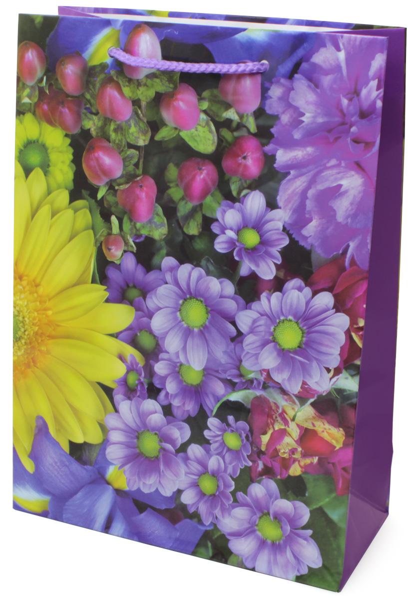 Пакет подарочный МегаМАГ Цветы, 22 х 31 х 10 см. 7029 ML7029 MLПодарочный пакет МегаМАГ, изготовленный из плотной ламинированной бумаги, станет незаменимым дополнением к выбранному подарку. Для удобной переноски на пакете имеются ручки-шнурки. Подарок, преподнесенный в оригинальной упаковке, всегда будет самым эффектным и запоминающимся. Окружите близких людей вниманием и заботой, вручив презент в нарядном, праздничном оформлении.