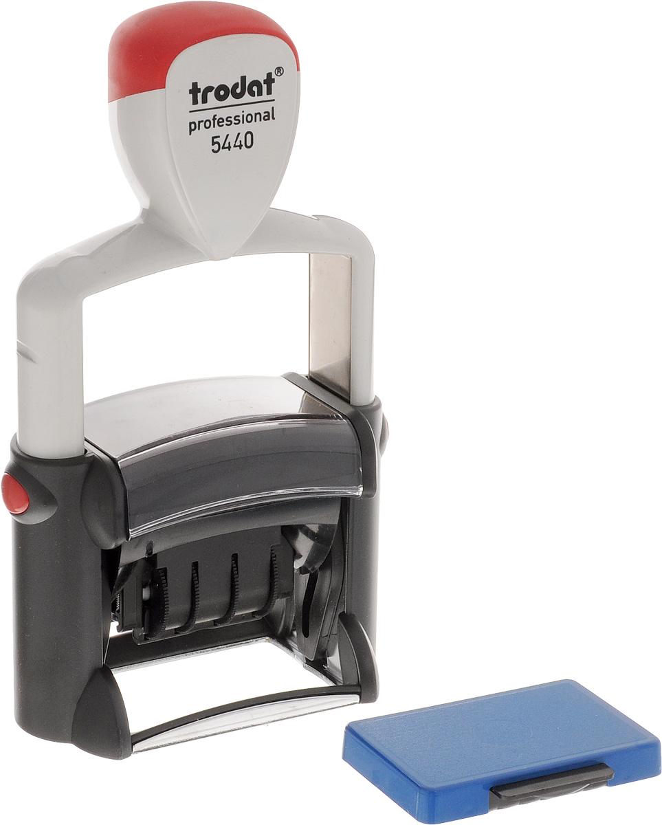 Trodat Датер со свободным полем 47 х 26 мм5440Датер Trodat имеет прочный пластиковый корпус с автоматическим окрашиванием. Дата находится в центре, вокруг даты свободное поле под изготовление клише. Подходит для работы в бухгалтерии, на складе, в банке. Размер свободного поля - 47 мм х 26 мм. В комплект входит сменная подушка, цвет синий.