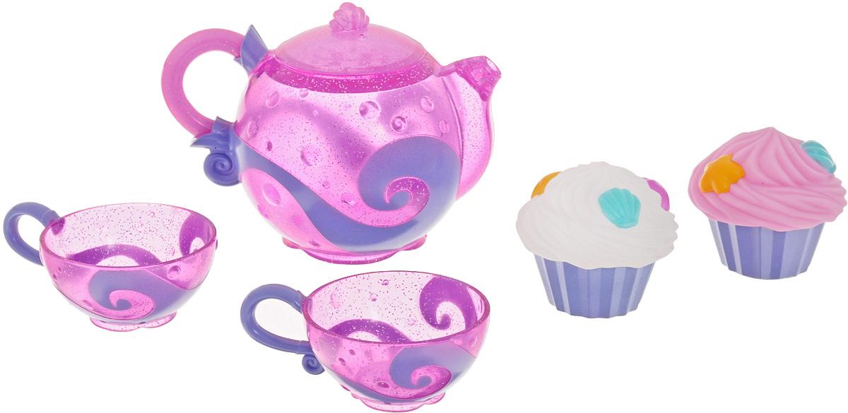 Munchkin Игрушка для ванны Чайный сервиз11688Игрушка для ванны Munchkin Чайный сервиз привлечет внимание вашей малышки и превратит купание в веселую игру. Ребенка ждет настоящее чаепитие. Стоит только налить воду в чашечки, то они процедят воду как ситечко. В комплект с чайником и чашечками входят разноцветные кексики. Если в них сначала набрать воды, а затем нажать на них, то из них брызнет тонкая струйка воды, что, несомненно, позабавит малышку. Игрушка для ванны Munchkin Чайный сервиз способствует развитию воображения, цветового восприятия, тактильных ощущений и мелкой моторики рук.