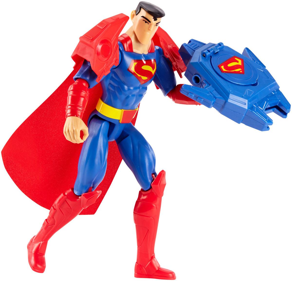 Batman Фигурка Superman Armor BlastFBR08_FBR09Фигурка Batman Superman Armor Blast станет отличным подарком юному поклоннику комиксов DC Comics. Armor Blast - мегакостюм Супермена, делающий его и так невероятную силу поистине безграничной! Мощная наплечная броня и смертоносное оружие, стреляющее дисками - только такая экипировка достойна супергероя! Эта 30-сантиметровая фигурка идеально передает уникальный образ и безукоризненный стиль героя Лиги Справедливости. Голова фигурки поворачивается, руки и ноги сгибаются, чтобы герой мог принимать самые невероятные позы. Выбери Бэтмена, Супермена, Флеша, Чудо-женщину, Джокера или других героев, чтобы воссоздать свои любимые схватки между супергероями и суперзлодеями вселенной DC Comics!