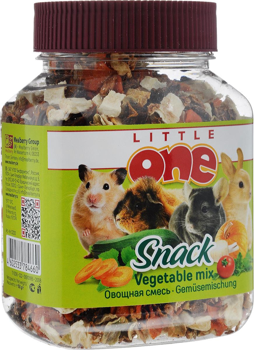 Лакомство для грызунов Little One Овощная смесь, 150 г57466Лакомство для грызунов Little One Овощная смесь — это полезная и вкусная добавка к основному рациону грызунов и кроликов. Смесь, состоящая из пяти видов сушеных овощей, поможет разнообразить питание зверьков, а также послужит источником витаминов и других полезных веществ. Товар сертифицирован.
