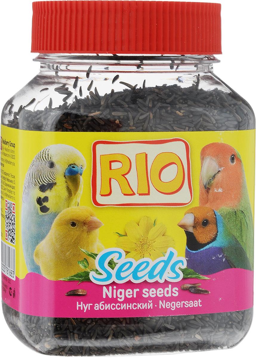 Лакомство для всех видов птиц RIO Абиссинский нуг, 250 г43803Лакомство RIO Абиссинский нуг является очень вкусной и питательной пищей для всех видов птиц. Нуг абиссинский - однолетнее травянистое растение семейства сложноцветных, произрастающее только в Индии и Эфиопии. Семена богаты белками и жирами, поэтому нуг - питательный полноценный корм. Нуг может составлять до 15 % состава корма. Семена очень любят и попугаи, и канарейки, и все виды ткачиков. Кроме того, считается, что нуг предотвращает у самок задержку яиц в яйцеводе, поэтому хорошо давать семена перед началом сезона размножения. Товар сертифицирован.