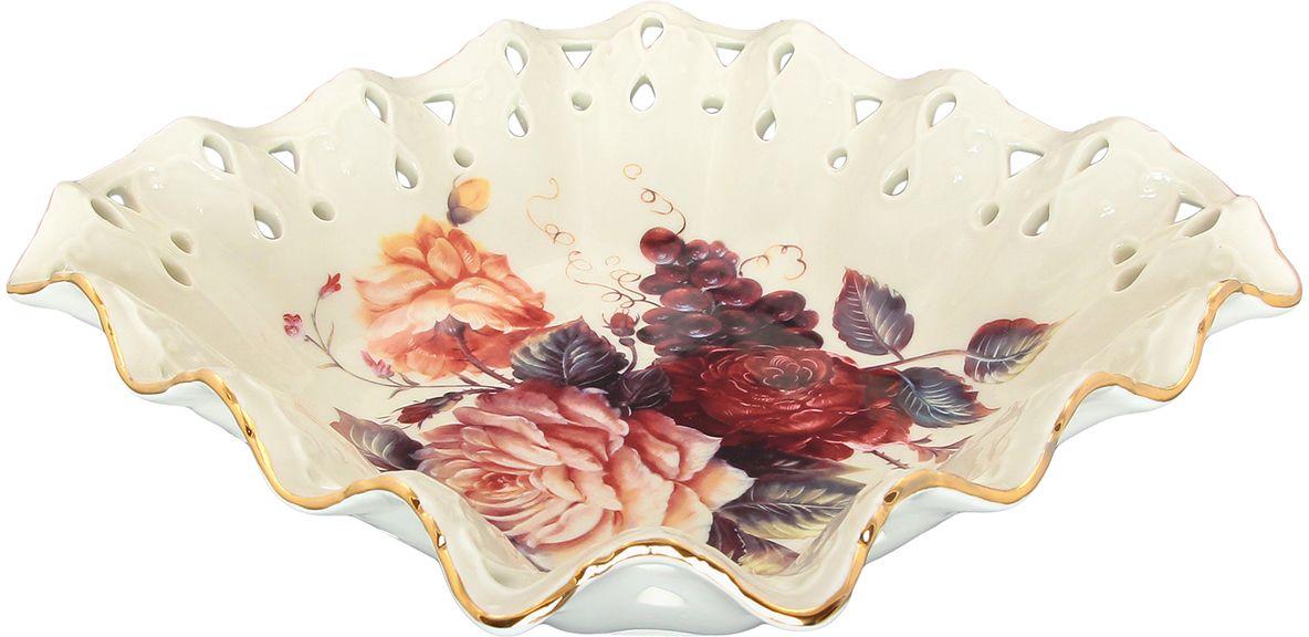 Конфетница Elan Gallery Бархатный нектар, цвет: бежевый, 22 х 22 х 6,5 см801107Классическое блюдо с замечательным рисунком. Может использоваться как для сервировки холодных закусок, так и для подачи печенья и десертов. Размер 22х22х6,5 см