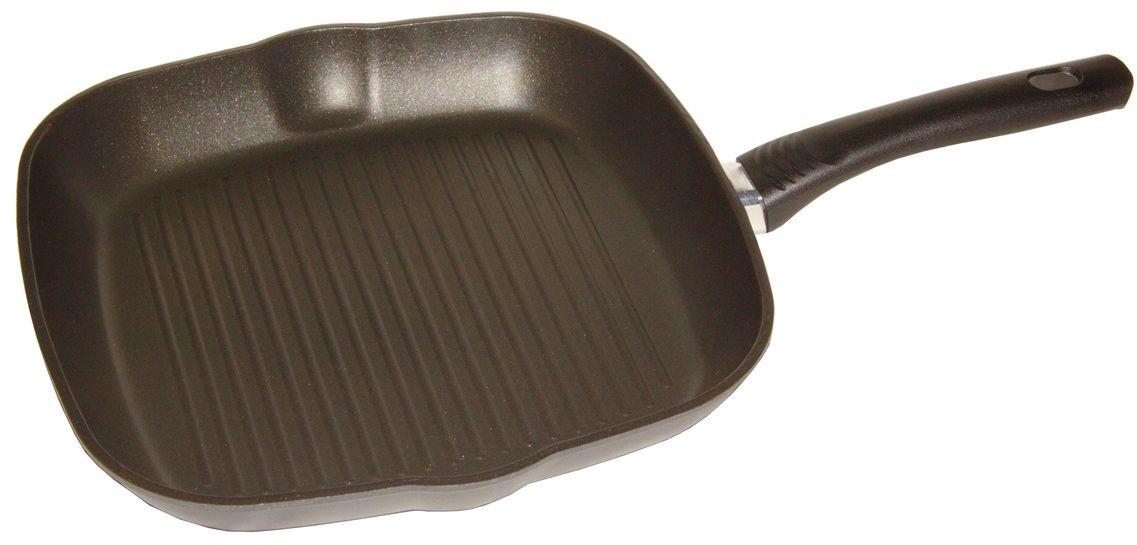 Сковорода гриль Helper Gurman, с антипригарным покрытием, цвет: черный, 26х26 смGN4540Сковорода HELPER GURMAN выполнена из литого толстостенного алюминия , что позволяет равномерно распределять и прекрасно удерживать тепло, экономить электроэнергию и готовить пищу быстрее. Значительная толщина стенок и дна исключает деформацию корпуса изделий, гарантирует долговечность посуды. Снабжена антипригарным покрытием GREBLON C2+ . Изделие не содержит кадмия и свинца, а также вредной примеси PFOA, оно абсолютно экологично и безопасно для здоровья. Антипригарное покрытие обладает высокой прочностью, пища не пригорает и сохраняет полезные свойства.Ручка выполнена из бакелита. Подходит для газовых, электрических и стеклокерамических плит. Можно мыть в посудомоечной машине.