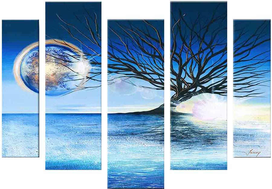 Картина Арт78 Дерево, модульная, 200 х 120 см. арт780079арт780079Ничто так не облагораживает интерьер, как хорошая картина. Особенную атмосферу создаст крупное художественное полотно, размеры которого более метра. Подобные произведения искусства, выполненные в традиционной технике (холст, масляные краски), чрезвычайно капризны: требуют сложного ухода, регулярной реставрации, особого микроклимата – поэтому они просто не могут существовать в условиях обычной городской квартиры или загородного коттеджа, и требуют больших затрат. Данное полотно идеально приспособлено для создания изысканной обстановки именно у Вас. Это полотно создано с использованием как традиционных натуральных материалов (холст, подрамник - сосна), так и материалов нового поколения – краски, фактурный гель (придающий картине внешний вид масляной живописи, и защищающий ее от внешнего воздействия). Благодаря такой композиции, картина выглядит абсолютно естественно, и отличить ее от традиционной техники может только специалист. Но при этом изображение отлично...