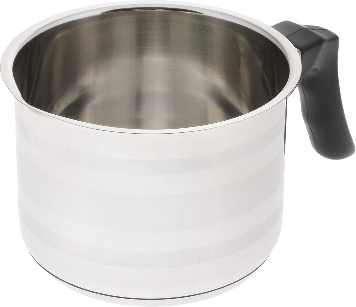 Молочник SSW, 1 л441113Молочник SSW выполнен из высококачественной нержавеющей стали. Внешние стенки изделия оформлены сочетанием зеркальной и матовой поверхности. Молочник оснащен удобной пластиковой ручкой. Кромка изделия оснащена специальным носиком для удобного выливания содержимого. Молочник SSW займет достойное место на вашей кухне! Подходит для электрических, газовых, индукционных и стеклокерамических плит. Можно мыть в посудомоечной машине. Объем: 1 л. Высота стенки: 9,5 см. Диаметр дна: 10,5 см. Диаметр (по верхнему краю): 12 см. Ширина молочника (с учетом ручки и носика): 19,5 см.
