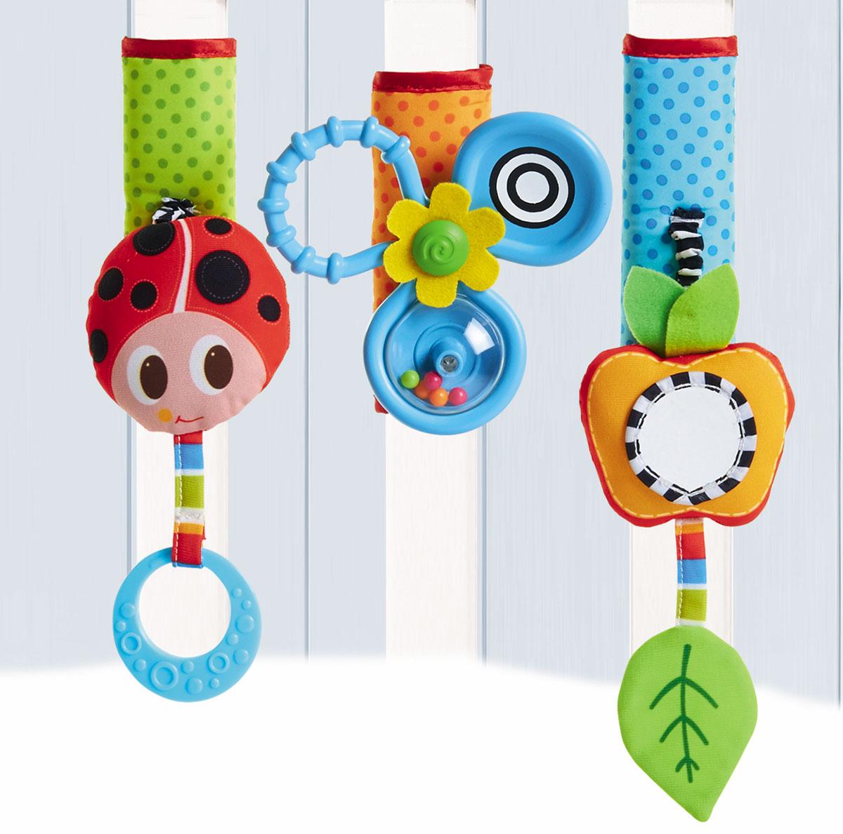 Tiny Love Развивающая игрушка Летняя поляна на липучке1303605830Комплект развивающих игрушек для колясок и детских манежей. Вместо одной игрушки покупатель получаете сразу 3. Можно разместить их на одном уровне или прикрепите в разных сторон кроватки, что малыш постоянно двигался и развивал мышечный тонус и крупную моторику. Широкая липучка делает игрушки универсальными и позволяет прикрепить их даже к самым широким бамперам колясок и перекладинам. Развивающие элементы: •мягкая божья коровка с прорезывателем; •Пропеллер-погремушка с кольцом для захвата; •яблочко с безопасным зеркалом, шуршащим листочком и функцией вибрации при оттягивании; •разные текстуры на каждой игрушке. Аналогов нет!