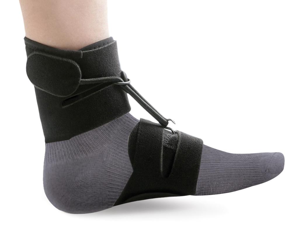 Ttoman Бандаж - стоподержатель AS-SB. Размер 1/SAS-SB S• подходит для ношения с обувью и без обуви • удобен и прост в применении • влаго и воздухопроницаемый материал • комплектуется насадкой с блокировочным крючком • цвет: черный Показания к применению: • отвисающая стопа S окружность над лодыжкой 12-18см M окружность над лодыжкой18-24см L окружность над лодыжкой 24-30см Состав: нейлон - 63% полиэстер - 27% лайкра - 5% хлопок - 5%