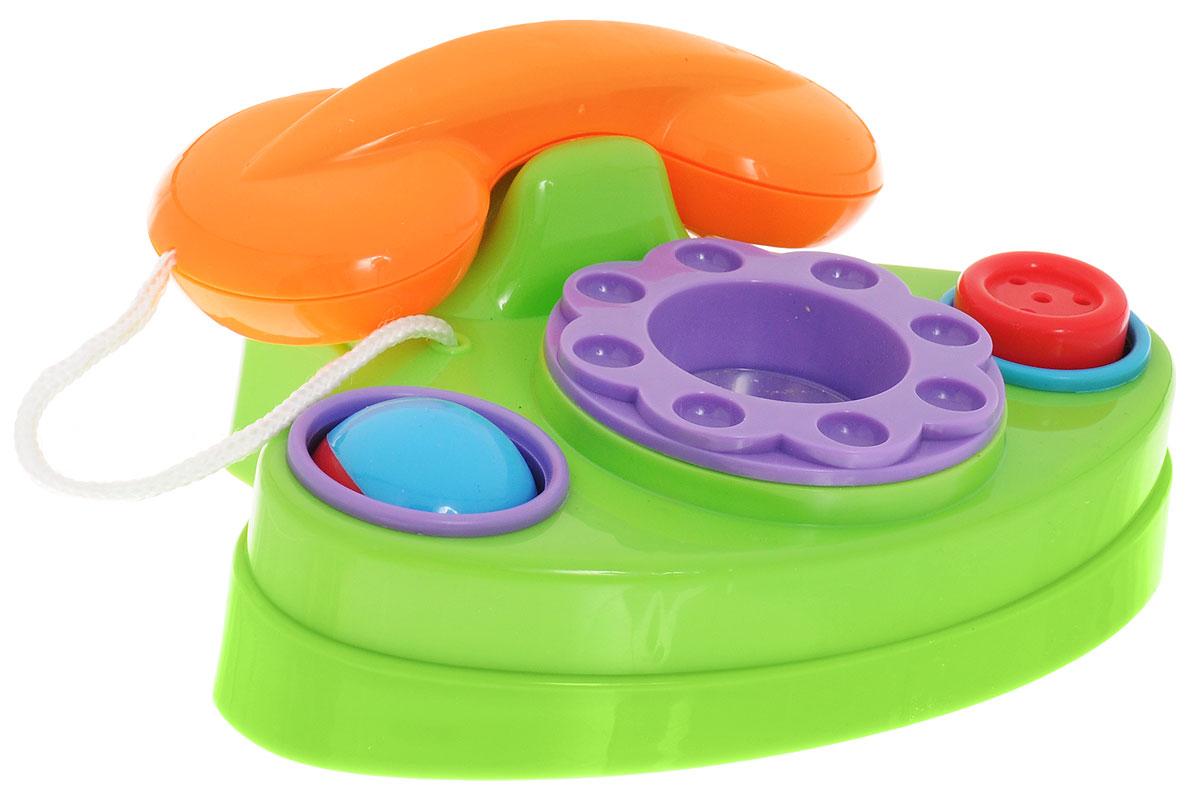 Simba Развивающая игрушка Телефон цвет салатовый оранжевый4012361_салатовый, оранжевыйРазвивающая игрушка Simba Телефон предназначена для малышей от 6 месяцев. Игрушка выполнена из яркого безопасного пластика. Трубка телефона снимается и привязана к аппарату прочным шнурком. Диск крутится с легким пощёлкиванием. В центре диска находится безопасное зеркальце. Справа от диска расположена большая кнопка-пищалка. Слева от диска поместился двухцветный шарик, который можно покрутить. Игрушечный телефон способствует развитию у малыша мелкой моторики рук, координации движений, знакомит с понятиями цвета и формы.