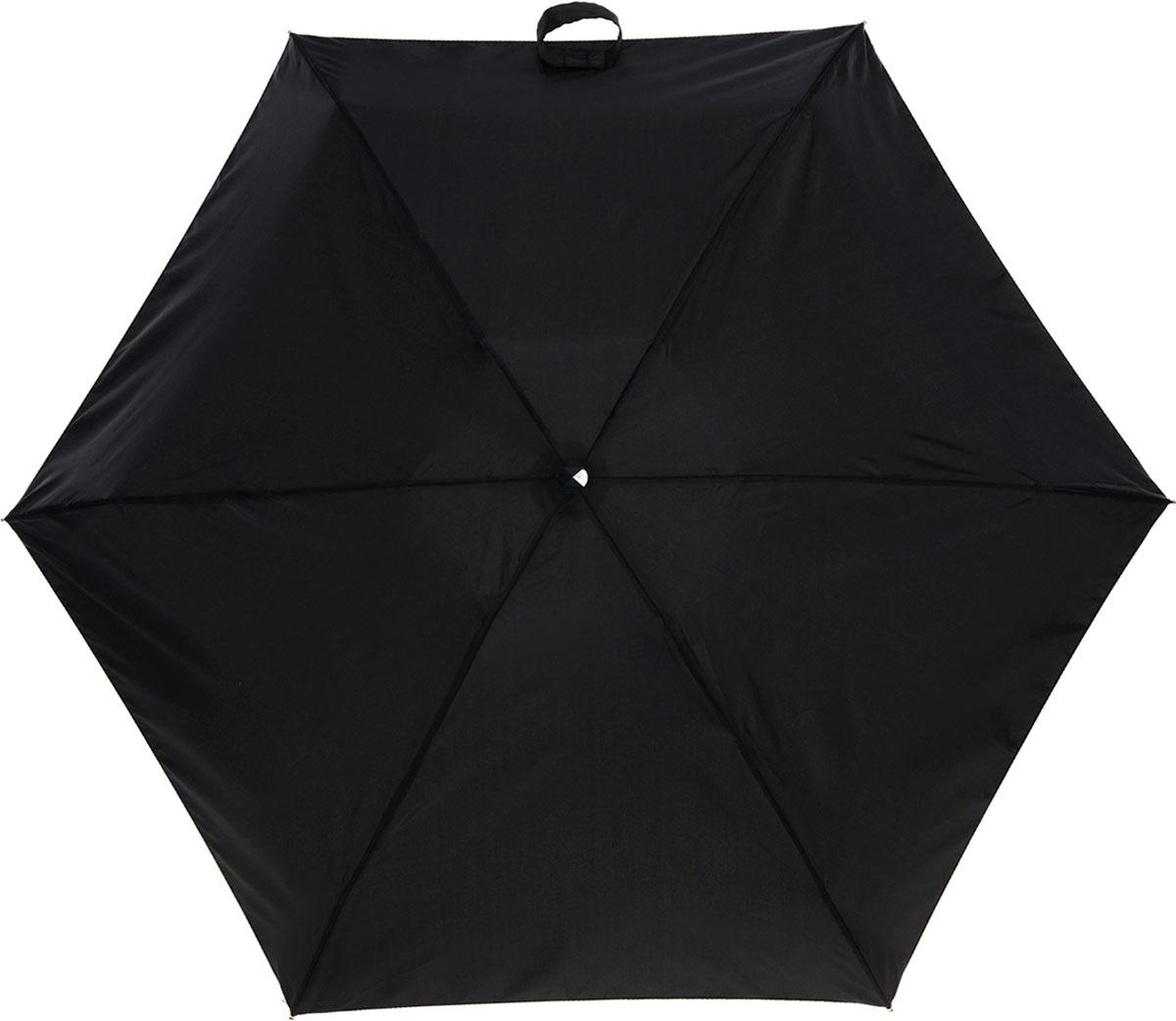"""Зонт женский Fulton, механический, 5 сложений, цвет: черныйL500 3F001Стильный сверхкомпактный зонт """"Fulton"""" защитит от непогоды, а его компактный размер позволит вам всегда носить его с собой. """"Ветростойкий"""" плоский алюминиевый каркас зонта в 5 сложений состоит из шести спиц с элементами из фибергласса, зонт оснащен удобной рукояткой из прорезиненного пластика. Купол зонта выполнен из прочного полиэстера черного цвета. На рукоятке для удобства есть небольшой шнурок, позволяющий надеть зонт на руку тогда, когда это будет необходимо. К зонту прилагается чехол. Зонт механического сложения: купол открывается и закрывается вручную, стержень также складывается вручную до характерного щелчка. Характеристики: Материал: алюминий, фибергласс, пластик, полиэстер. Цвет: черный. Диаметр купола: 87 см. Длина зонта в сложенном виде: 15 см. Длина ручки (стержня) в раскрытом виде: 50 см. Вес: 158 г. Артикул: L500 3F001."""