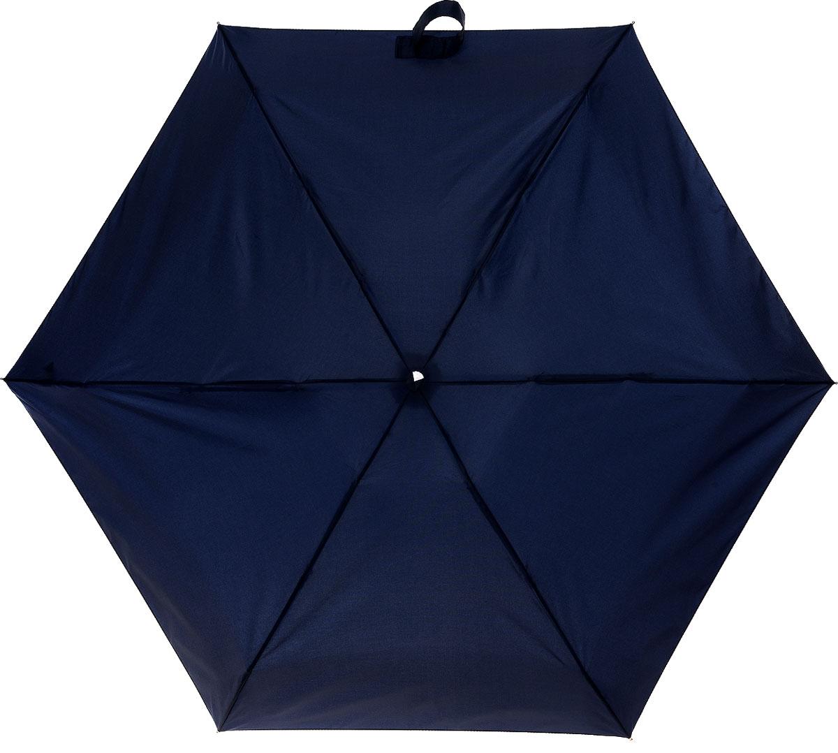 """Зонт Fulton, механический, 5 сложений, цвет: темно-синий. L500 3S033L500 3S033Стильный сверхкомпактный зонт """"Fulton"""" защитит от непогоды, а его компактный размер позволит вам всегда носить его с собой. """"Ветростойкий"""" плоский алюминиевый каркас зонта в 5 сложений состоит из шести спиц с элементами из фибергласса, зонт оснащен удобной рукояткой из прорезиненного пластика. Купол зонта выполнен из прочного полиэстера темно-синего цвета. На рукоятке для удобства есть небольшой шнурок, позволяющий надеть зонт на руку тогда, когда это будет необходимо. К зонту прилагается чехол. Зонт механического сложения: купол открывается и закрывается вручную, стержень также складывается вручную до характерного щелчка. Характеристики: Материал: алюминий, фибергласс, пластик, полиэстер. Цвет: темно-синий. Диаметр купола: 87 см. Длина зонта в сложенном виде: 15 см. Длина ручки (стержня) в раскрытом виде: 50 см. Вес: 158 г. Артикул: L500 3S033."""