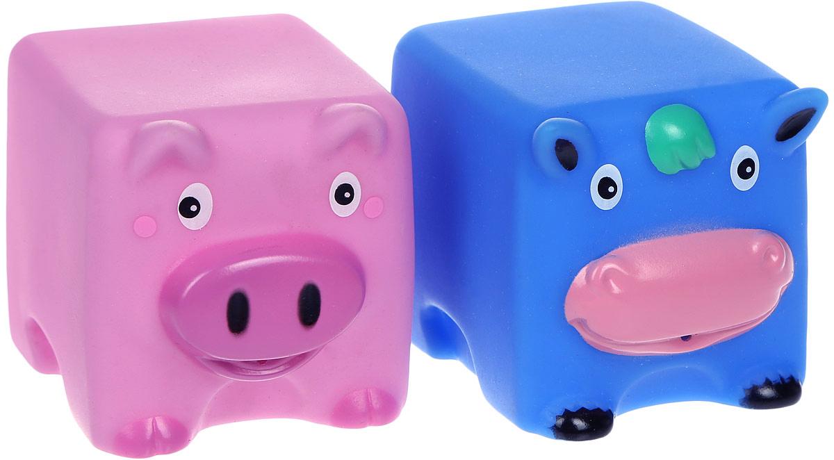 Жирафики Набор игрушек для ванной Корова и свинья 2 шт681062Набор игрушек для ванной Жирафики Корова и свинья привлечет внимание вашего малыша и не позволит ему скучать. При сжатии в руке забавные игрушки весело брызгаются предварительно набранной водой. Эти чудесные игрушки можно окунать в воду, мять, слюнявить, грызть, кидать. Выполненные из качественного, гипоаллергенного ПВХ-пластизоля, игрушки будут радовать малыша долгое время. Игрушки способствуют развитию мелкой моторики, сенсорного восприятия и воображения.
