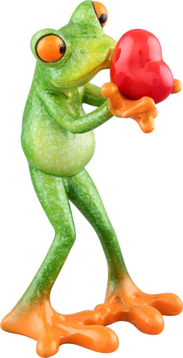 Фигурка декоративная Elan Gallery Лягушка с сердцем, 8,2 х 8 х 14 см870060Декоративные фигурки - это отличный способ разнообразить внутреннее убранство дома, частичка вашей индивидуальности в облике жилища!