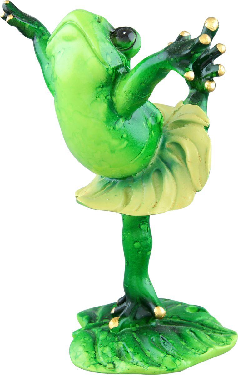 Фигурка декоративная Elan Gallery Лягушка-балерина, высота 13 см870078Декоративные фигурки - это отличный способ разнообразить внутреннее убранство вашего дома. Декоративная фигурка с изображением лягушки станет прекрасным сувениром, который вызовет улыбку и поднимет настроение. Фигурка выполнена из полистоуна. Размер статуэтки: 8,8 х 7 х 13 см.