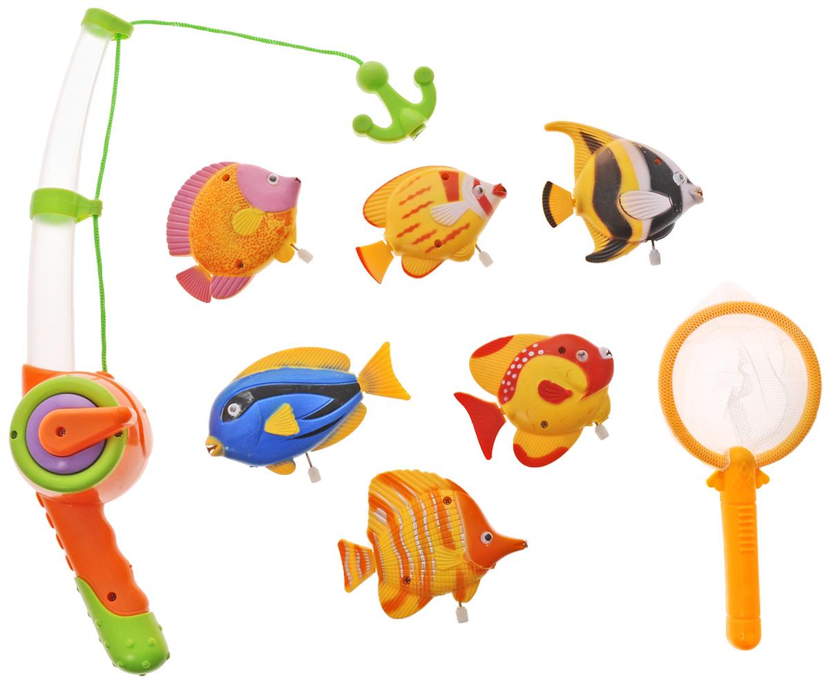 Играем вместе Игрушка для ванной Рыбалка Маша и Медведь цвет удочки оранжевый салатовыйB803208-R2_оранжевый, салатовыйИгрушка для ванной Играем вместе Рыбалка. Маша и Медведь - вот это настоящая забава половить рыбку вместе с любимыми героями! Теперь процесс купания станет для ребенка еще интереснее: ведь он с Машей и Медведем из полюбившегося всем мультфильма едет на рыбалку. Используя специальную удочку с веревкой, на конце которой располагается крючок, необходимо поймать больше и быстрее всех ярких представителей подводной жизни. Удочка светится и проигрывает песенку Маши. Для того чтобы удочка начала светиться и звучать, необходимо нажать на салатовую кнопку. Игра отлично подходит для развития мелкой моторики. Для работы игрушки рекомендуется докупить 3 батарейки типа AG13 (товар комплектуется демонстрационными).