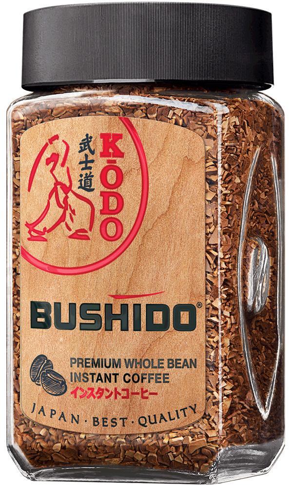 Bushido Kodo кофе растворимый, 95 г5060367340176Только в Японии существует как искусство оценка тонких ароматов, искусство KODO, искусство составления ароматов. Исключительное отношение к ароматам, отношение по законам красоты, насчитывает в Японии тысячелетия. KODO — один из краеугольных камней духовной культуры Японии. Наряду с чайной церемонией (сада) и искусством аранжировки цветов (икэбана) KODO (буквально путь аромата) стало одной из формой общения — этикой слушания ароматов, возведенной в ранг высокого искусства. Японские аристократы месяцами осваивали секреты смешения ароматических веществ для участия в специальных состязаниях на вечерах при императорском дворе. В KODO используется язык ароматов. Это элитарное искусство открывает еще один путь для расслабления, внутреннее созерцание мира, концентрации мыслей на прекрасное. Стремясь достичь вершины совершенства вкуса и аромата, мы создали этот купаж из отборных зерен из Эфиопии и Южной Америки. Так мы получили кофе, который не только тонизирует и бодрит, но и...