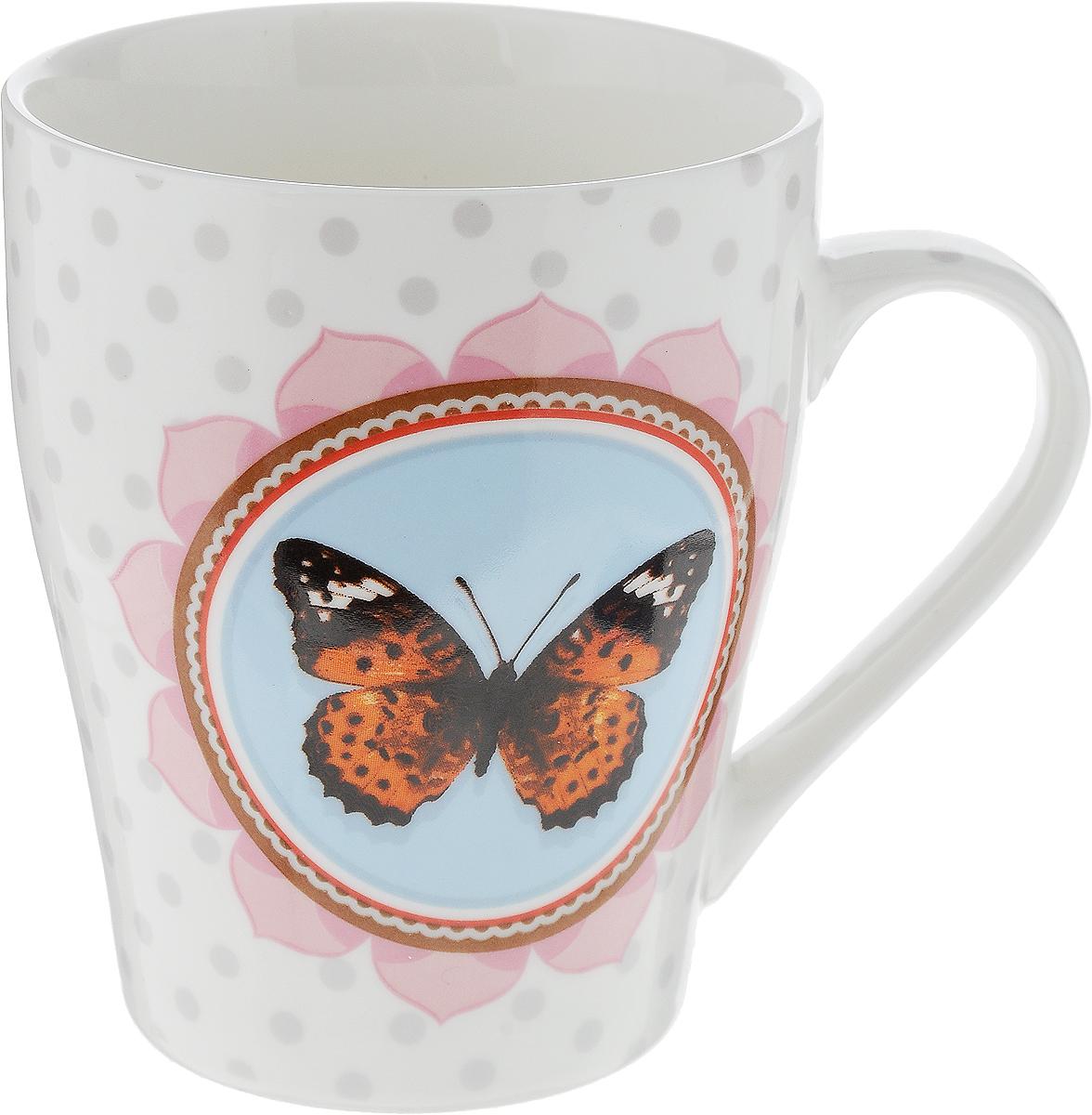 Кружка Loraine Бабочка, цвет: белый, голубой, оранжевый, 340 мл24453_голубой, оранжевый, черныйОригинальная кружка Loraine Бабочка выполнена из высококачественного костяного фарфора и оформлена красочным рисунком. Она станет отличным дополнением к сервировке семейного стола и замечательным подарком для ваших родных и друзей. Диаметр кружки (по верхнему краю): 8 см. Высота кружки: 10 см.