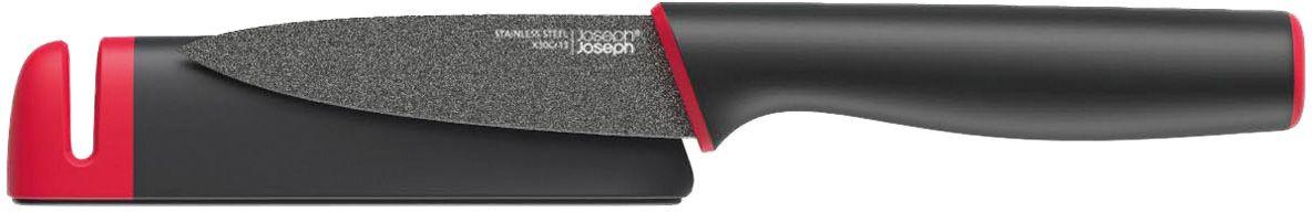 Нож Joseph Joseph Slice & Sharpen, в чехле, со встроенной ножеточкой10145Нож с коротким лезвием, предназначенный для эффективной очистки различных продуктов. Дополнен защитным чехлом со встроенной керамической точилкой. Лезвие из нержавеющей стали располагает неприлипающим покрытием, благодаря чему готовка становится более лёгкой и гигиеничной. Для удобной и безопасной заточки основа чехла-точилки оснащена нескользящим покрытием.