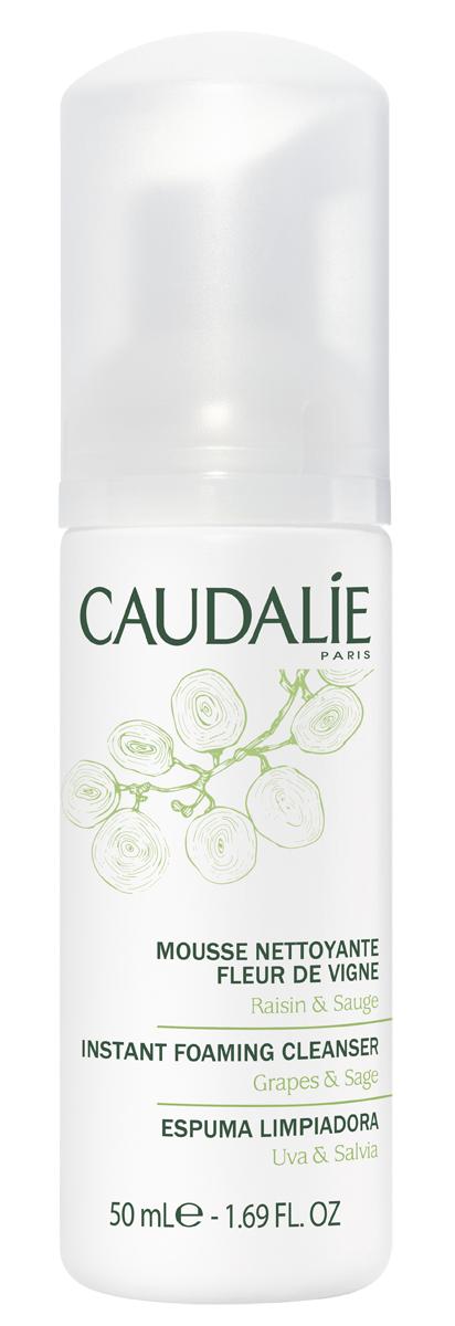Caudalie Очищающий мусс Flleur De Vigne Cleanser & Toners, 50 мл141Прозрачный лосьон Caudalie превращается в легкий мусс, чтобы подарить вам удовольствие от умывания. Мусс не содержит мыла, состоит из очищающей нежной основы натурального происхождения, не нарушает естественный баланс кожи и дарит ей чувство комфорта. Мягко очищенная от загрязнений, кожа становится свежей, нежной и ухоженной. Формула мусса на 98,7% состоит из ингредиентов натурального происхождения.