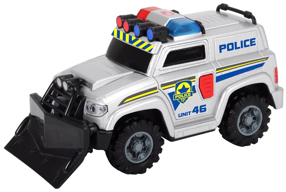 Dickie Toys Полицейская машина3302001, 203302001Яркая машинка Dickie Toys Полицейская машина со звуковыми и световыми эффектами, несомненно, понравится вашему ребенку и не позволит ему скучать. Игрушка выполнена в виде полицейского внедорожника. При нажатии на кнопку, расположенные на дверце водителя, светятся сигнальные огни автомобиля, воспроизводятся звуки двигателя и сирены. Машина представляет собой модель настоящего спасательно-штурмового автомобиля полиции. Щит, который установлен на передней части машинки, предназначен для крушения стен во время штурмовых операций в целях захвата преступников или освобождения заложников. Под съемным щитом имеется крюк на тросе. Ваш ребенок часами будет играть с машинкой, придумывая различные истории и устраивая соревнования. Порадуйте его таким замечательным подарком! Рекомендуется докупить 3 батарейки типа LR41 (комплектуется демонстрационными).