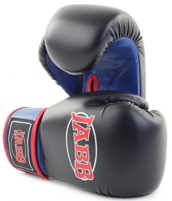 Перчатки боксерские Jabb JE-2015, цвет: черный, синий, 12 oz310997Застежка: Эластичный манжет на липучке Velcro Материал: искусственная кожа Наполнитель: ударопоглощающая высокотехнологичная формованная IMF пена Внутренний материал: водоотталкивающий трикотаж Рекомендованы: для начинающих спортсменов