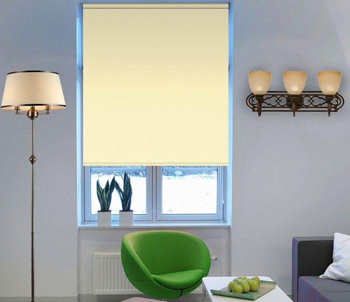 Штора рулонная Эскар Миниролло. Blackout, цвет: ваниль, ширина 98 см, высота 170 см34021098170Рулонные шторы Эскар Миниролло. Blackout, не пропускающие солнечный свет, изготовляются из полностью светонепроницаемого материала. Это свойство обеспечивается структурой ткани и специальными вплетенными нитями, удерживающими проникновение света. Такие шторы используются в кинотеатрах, фотолабораториях, детских комнатах и других помещениях, где необходимо абсолютное затемнение. Такая штора станет прекрасным элементом декора окна и гармонично впишется в интерьер любого помещения.
