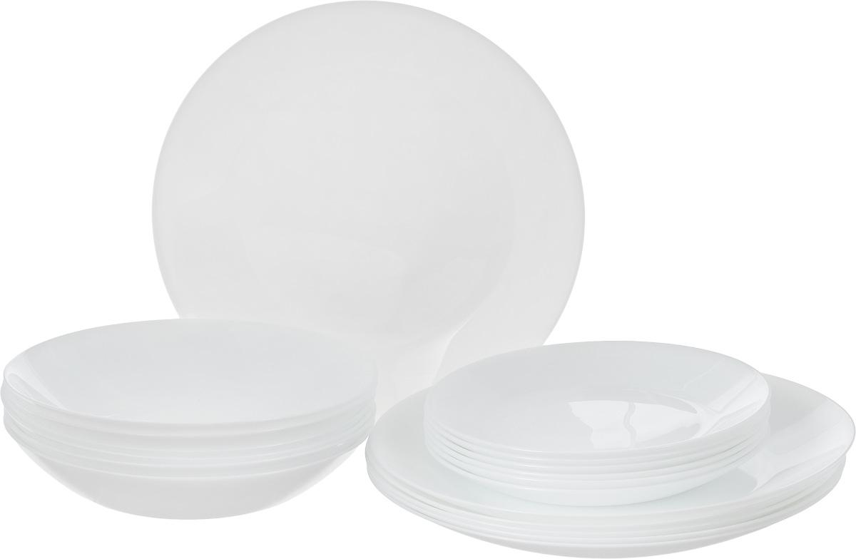 Столовый набор Arcopal Zelie, 18 предметовL4122Столовый набор Arcopal Zelie состоит из 6 суповых тарелок, 6 обеденных тарелок и 6 десертных тарелок. Изделия выполнены из ударопрочного стекла, с однотонным дизайном и классической круглой формой. Посуда отличается прочностью, гигиеничностью и долгим сроком службы, она устойчива к появлению царапин и резким перепадам температур. Такой набор прекрасно подойдет как для повседневного использования, так и для праздников или особенных случаев. Столовый набор Arcopal Zelie - это не только яркий и полезный подарок для родных и близких, это также великолепное дизайнерское решение для вашей кухни или столовой. Изделия можно мыть в посудомоечной машине и использовать в СВЧ-печи. Диаметр суповой тарелки: 19,5 см. Диаметр обеденной тарелки: 25 см. Диаметр десертной тарелки: 17,5 см.