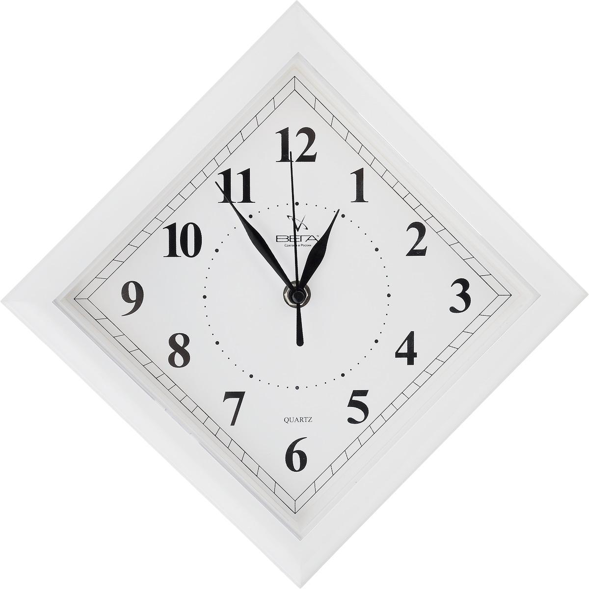 Часы настенные Вега Классика. Ромб, цвет: белый, 20,6 х 20,6 х 4 смП3-7-51Настенные кварцевые часы Вега Классика. Ромб в классическом дизайне, изготовленные из пластика, прекрасно впишутся в интерьер вашего дома. Часы имеют три стрелки: часовую, минутную и секундную, циферблат защищен прозрачным пластиком. Часы работают от 1 батарейки типа АА напряжением 1,5 В (не входит в комплект).