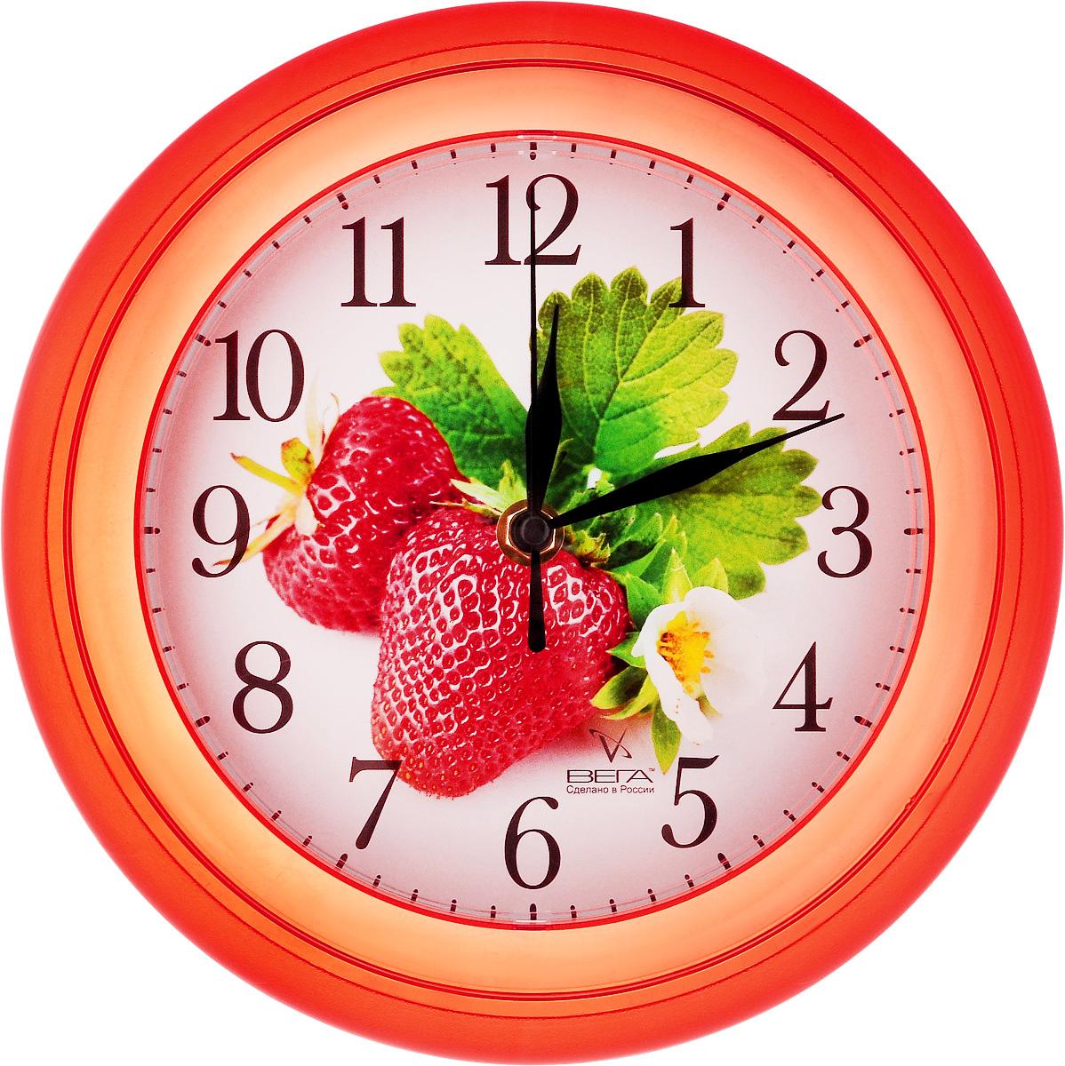 Часы настенные Вега Клубника, диаметр 22,5 смП6-1-101Настенные кварцевые часы Вега Клубника, изготовленные из пластика, прекрасно впишутся в интерьер вашего дома. Круглые часы имеют три стрелки: часовую, минутную и секундную, циферблат защищен прозрачным стеклом. Часы работают от 1 батарейки типа АА напряжением 1,5 В (не входит в комплект). Диаметр часов: 22,5 см.