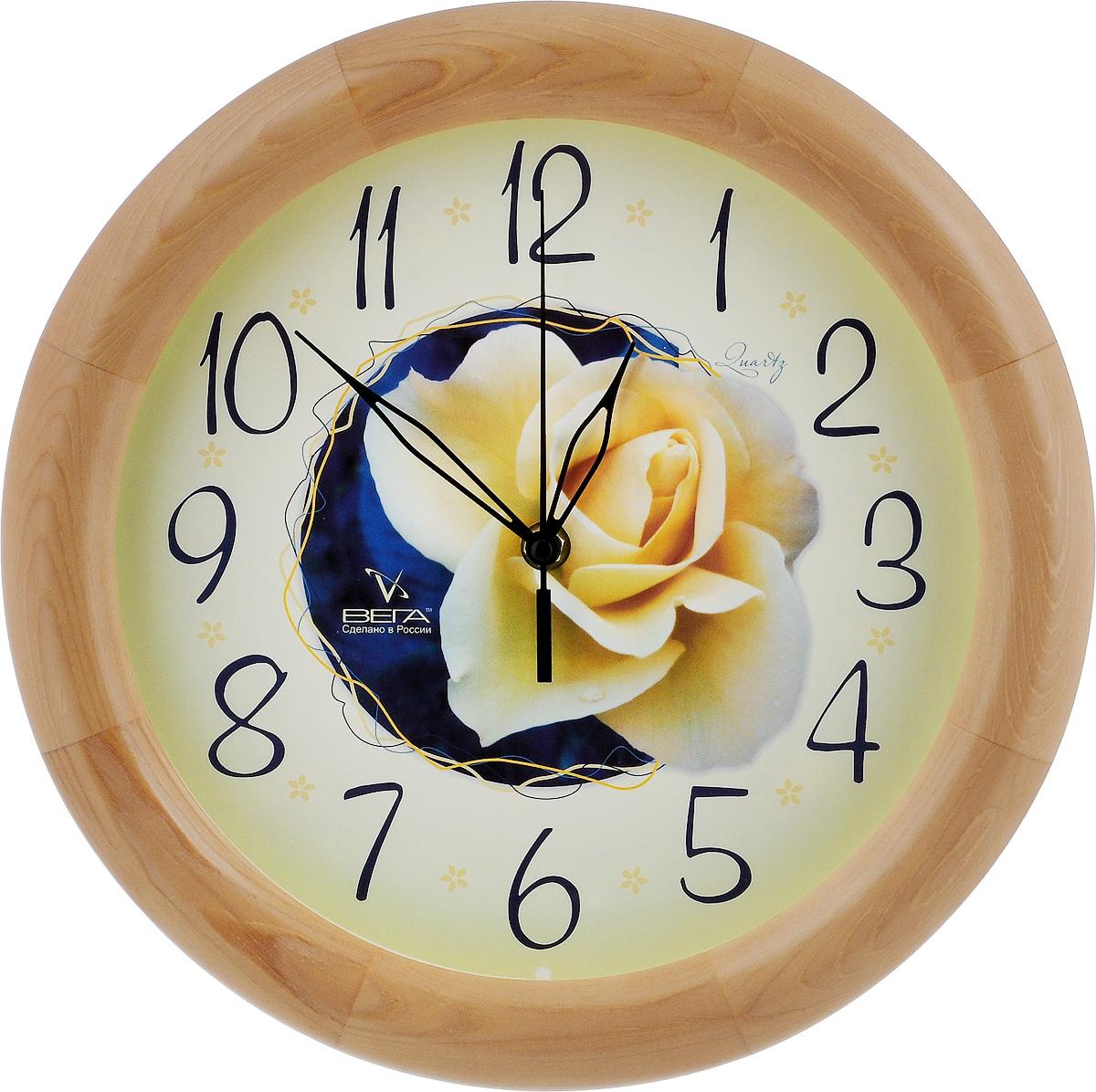 Часы настенные Вега Роза, диаметр 30 смД1НД/7-190Настенные кварцевые часы Вега Роза, изготовленные из дерева, прекрасно впишутся в интерьер вашего дома. Часы имеют три стрелки: часовую, минутную и секундную, циферблат защищен прозрачным стеклом. Часы работают от 1 батарейки типа АА напряжением 1,5 В (не входит в комплект). Диаметр часов: 30 см.