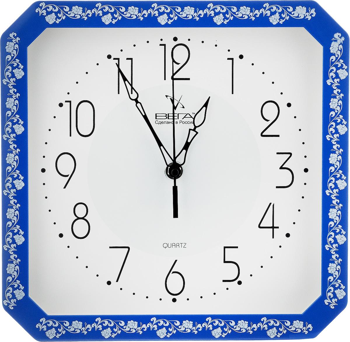Часы настенные Вега Классика с узором, цвет: синий, белый, 28 х 28 х 4 смП4-10724/7-30Настенные кварцевые часы Вега Классика с узором, изготовленные из пластика, прекрасно впишутся в интерьер вашего дома. Часы имеют три стрелки: часовую, минутную и секундную, циферблат защищен прозрачным стеклом. Часы работают от 1 батарейки типа АА напряжением 1,5 В (не входит в комплект).