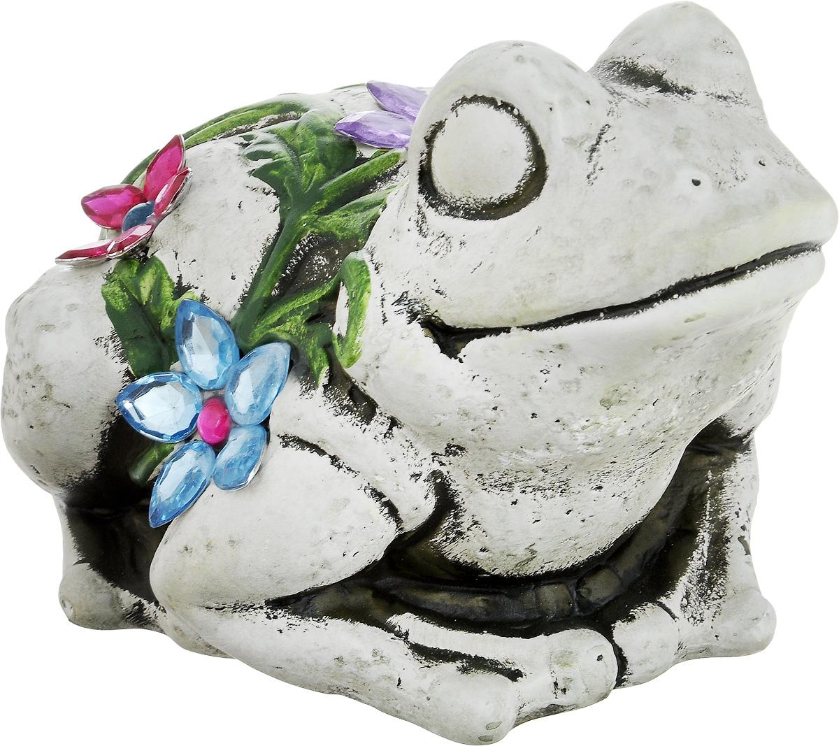Фигурка декоративная Лилло Лягушка, цвет: серый, голубой, зеленый, длина 18 смFLY3204-1Декоративная фигурка Лягушка станет необычным аксессуаром для вашего интерьера и создаст незабываемую атмосферу. Фигурка изготовлена из керамики в виде веселой лягушки. Эта очаровательная вещь послужит отличным подарком близкому человеку, родственнику или другу, а также подарит приятные мгновения и окунет вас в лучшие воспоминания.