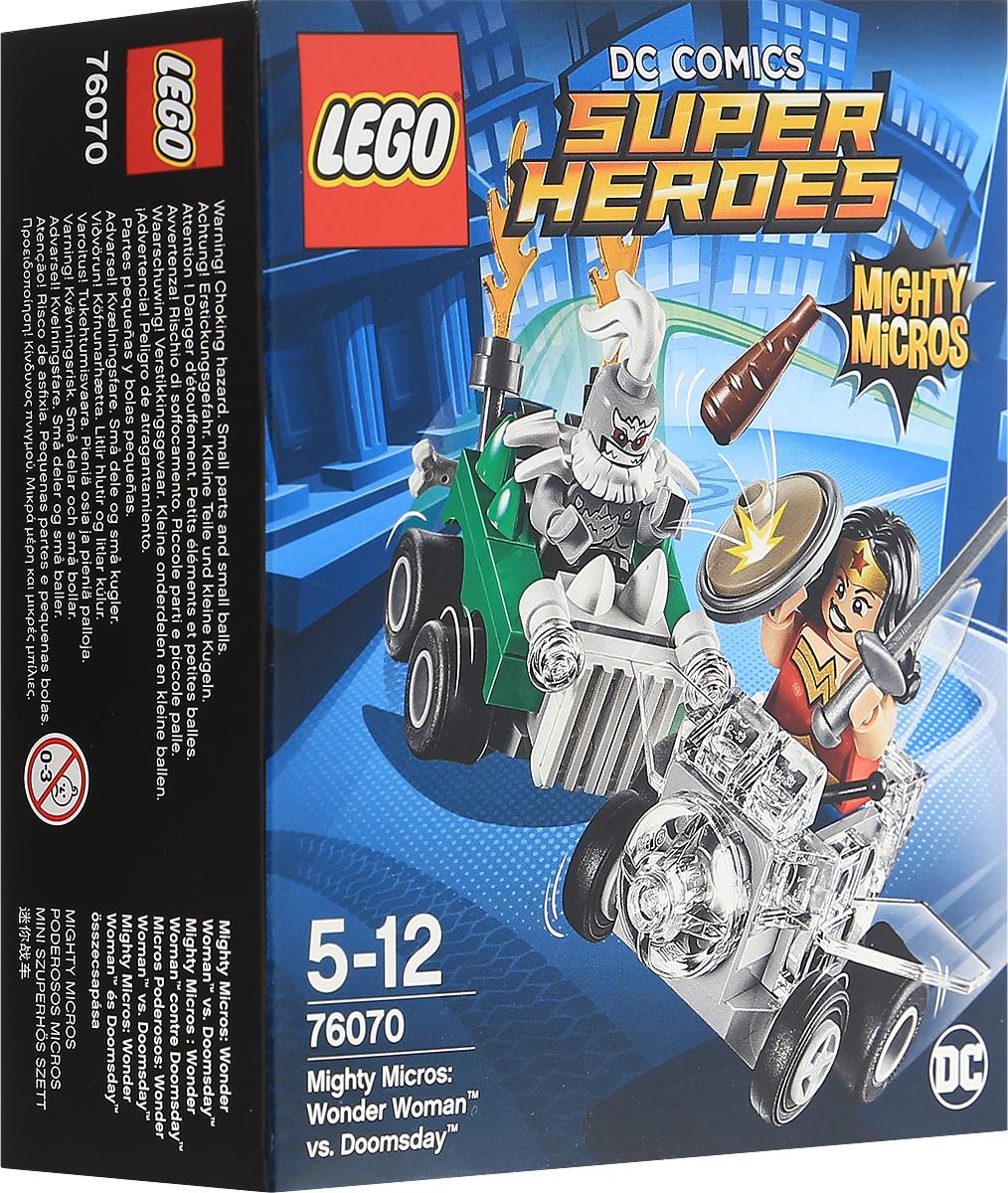LEGO Super Heroes Конструктор Mighty Micros Чудо-женщина против Думсдэя 7607076070Думсдэй уже завел двигатель своего автомобиля и готовится к атаке. Смотрите, как Чудо-женщина наносит ответный удар волшебным мечом и щитом, кружа над злодеем в своем Невидимом самолете! Набор включает в себя 85 разноцветных пластиковых элементов. Конструктор - это один из самых увлекательных и веселых способов времяпрепровождения. Ребенок сможет часами играть с конструктором, придумывая различные ситуации и истории.