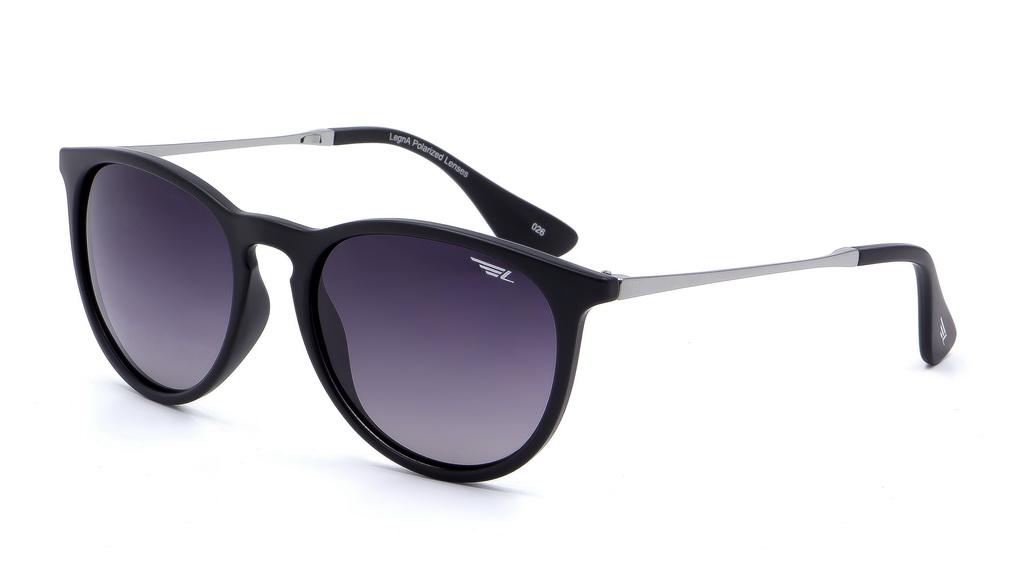 Очки поляризационные Legna, цвет: черный, серый. S8602AS8602AСолнцезащитные очки Legna с поляризационными линзами превосходно предохраняют глаза от любого рода вредных бликов и УФ-лучей, что делает вождение безопасным и комфортным. Также очки Legna ничем не уступают самым известным маркам и брендам в эстетической части. Благодаря линзам премиум класса очки Legna прекрасно подходят для повседневной носки, занятий спортом, отдыха и конечно для использования за рулем.