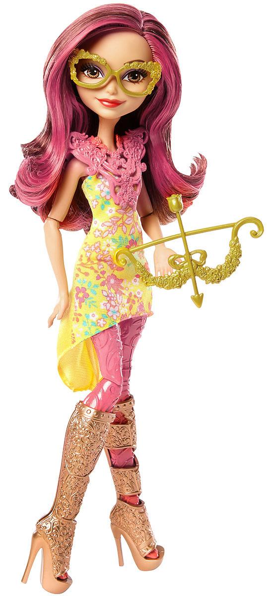 Ever After High Кукла Лучница Розабелла БьютиDVH82_DVH80Придумывайте невероятные сюжеты с куклами Ever After High, которые решили научиться стрельбе из лука! Кукла держит в руках очаровательный лук со стрелой. Каждая кукла одета в платье с цветочным узором и леггинсы ее любимого цвета. Потрясающие туфли и стильный защитный жилет дополняют наряд. К каждому образу подобраны изящные аксессуары. Банни Бланк надела ободок с ушками, а Розабелла - очки. Куклы-лучницы Ever After High готовы веселиться! В комплекте с куклой: лук и очки.