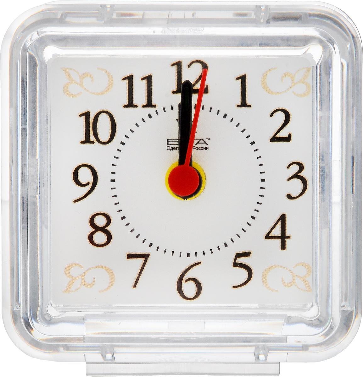 Часы-будильник Вега УзорБ1-025Настольные кварцевые часы Вега Узор изготовлены из прозрачного пластика. Часы имеют три стрелки - часовую, минутную и стрелку завода. Такие часы красиво и оригинально украсят интерьер дома или рабочий стол в офисе. Также часы могут стать уникальным, полезным подарком для родственников, коллег, знакомых и близких. Часы работают от батарейки типа АА (в комплект не входит). Имеется инструкция по эксплуатации на русском языке.