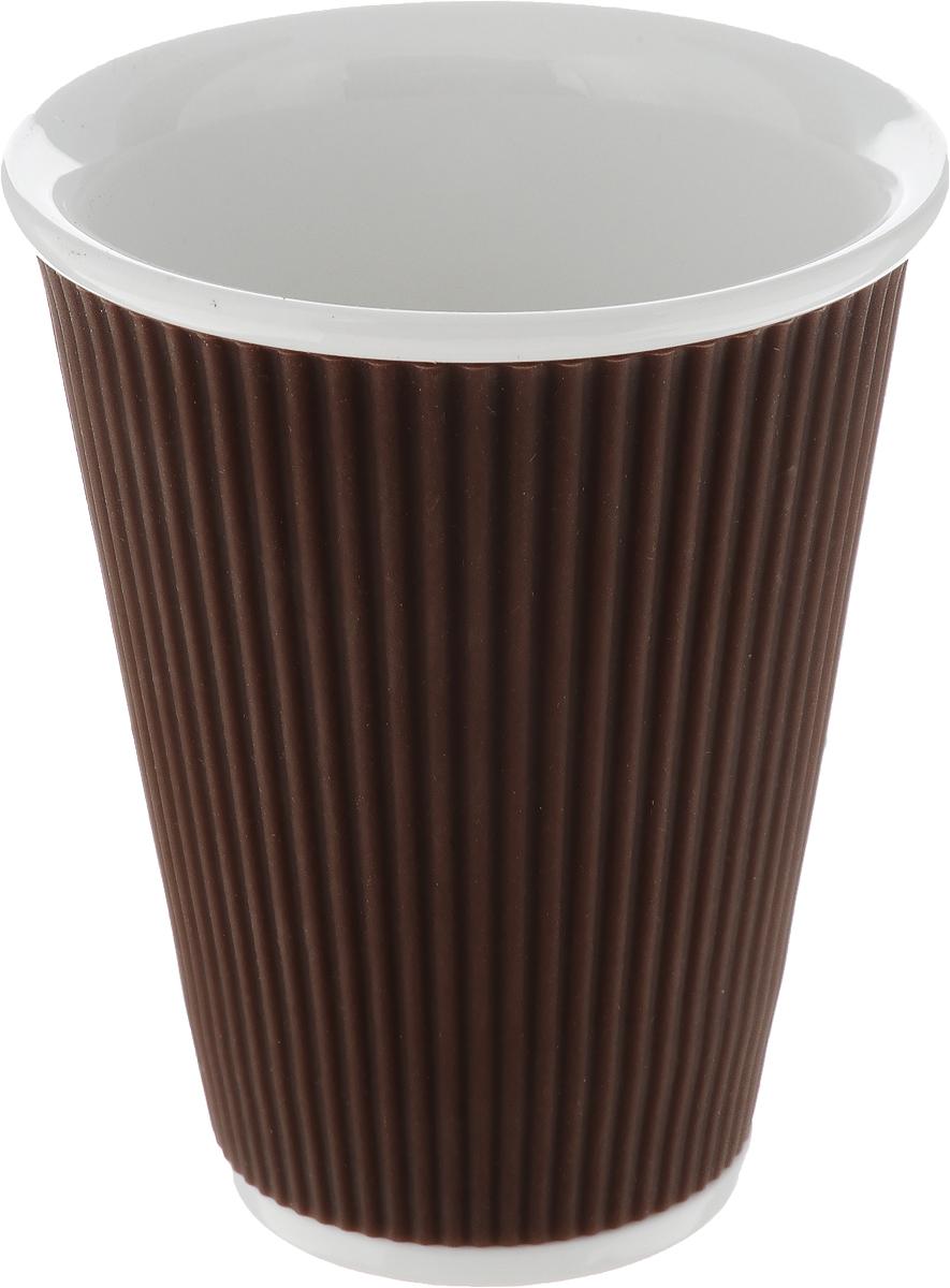 Чашка Les Artistes-Paris Ondules, цвет: белый, коричневый, 300 млA-0754Чашка Les Artistes-Paris Ondules изготовлена из высококачественного фарфора. Она имеет силиконовую вставку для лучшего захвата. Изящная чашка не только красиво оформит стол к чаепитию, но и станет прекрасным подарком друзьям и близким. Объем чашки: 300 мл. Диаметр чашки (по верхнему краю): 9 см. Высота чашки: 11 см.