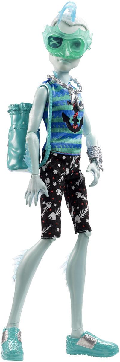 Monster High Кукла Пиратская авантюра Гиллингтон Гил УэбберDTV82_DTV85Кукла Monster High Гиллингтон Гил Уэббер представляет коллекцию Пиратская авантюра. В этой серии ученики Школы Монстров терпят кораблекрушение и попадают на необитаемый остров, с которого они непременно выберутся вместе с сокровищами. Гиллингтон - сын пресноводных монстров, у него светло-голубая кожа и плавники на ногах. Кукла выполнена с потрясающей детализацией - яркое проработанное лицо, разноцветные волосы, стильная одежда нестандартного покроя и модная броская обувь. Благодаря шарнирам вы можете придать кукле любое положение. К кукле прилагается сумка-рюкзак для морских находок.