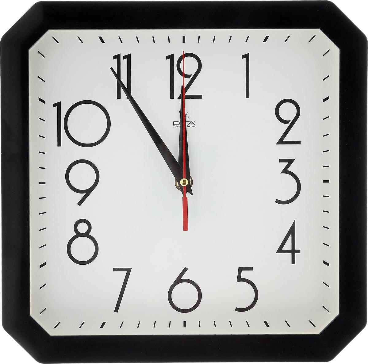 Часы настенные Вега Классика, цвет: черный, белый, 28 х 28 смП4-6/7-81Настенные кварцевые часы Вега Классика, изготовленные из пластика, прекрасно впишутся в интерьер вашего дома. Часы имеют три стрелки: часовую, минутную и секундную, циферблат защищен прозрачным стеклом. Часы работают от 1 батарейки типа АА напряжением 1,5 В (не входит в комплект). Прилагается инструкция по эксплуатации.