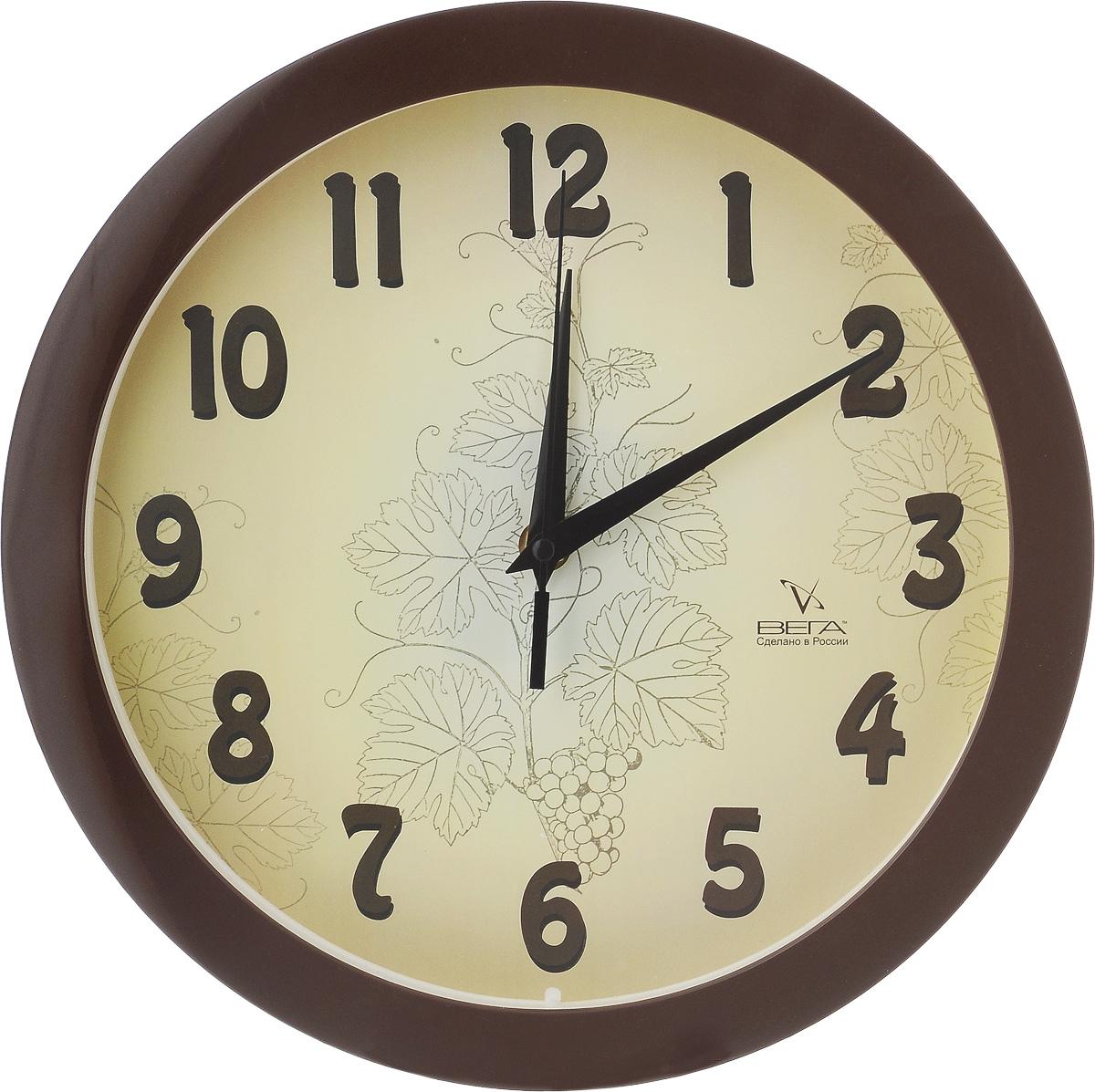 Часы настенные Вега Классика бежевая, диаметр 28,5 смП1-9/7-50Настенные кварцевые часы Вега Классика бежевая, изготовленные из пластика, прекрасно впишутся в интерьер вашего дома. Часы имеют три стрелки: часовую, минутную и секундную, циферблат защищен прозрачным стеклом. Часы работают от 1 батарейки типа АА напряжением 1,5 В (не входит в комплект). Диаметр часов: 28,5 см.